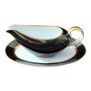 Renaissance Black on White Gravy Boat & Underplate by Fitz & Floyd For Sale