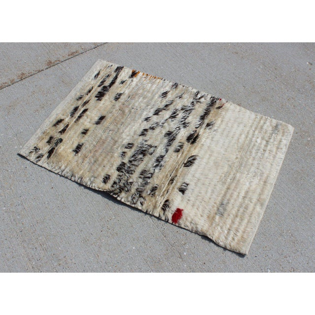 Textile Contemporary New Cream and Black Rug - 2′1″ × 3′4″ For Sale - Image 7 of 7