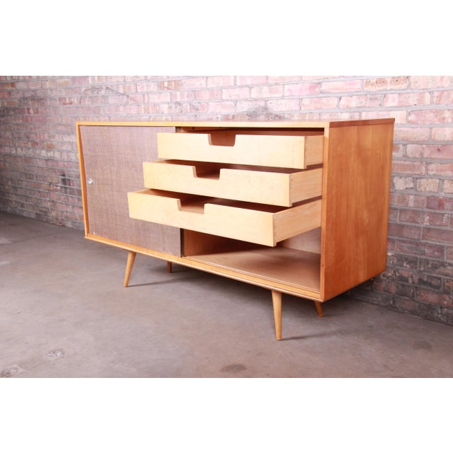 Paul McCobb Planner Group Mid-Century Modern Solid Maple Sideboard Credenza, 1950s For Sale - Image 9 of 13