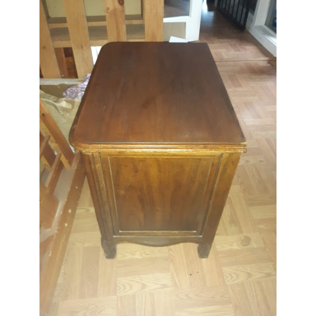 French Provincial Drexel Heritage Side Tables - a Pair For Sale - Image 9 of 13