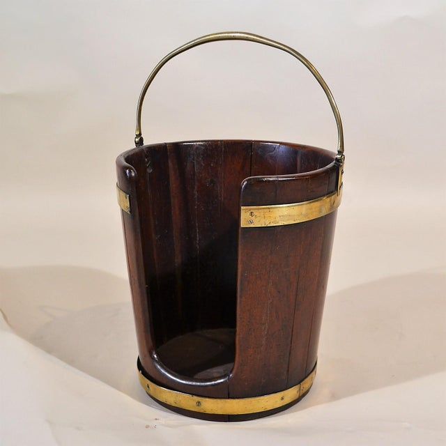 English Traditional Antique English Brass-Bound Mahogany Plate Bucket Circa 1790-1810 For Sale - Image 3 of 3