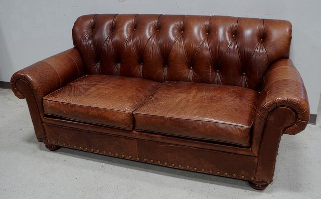 This Is A Beautiful 100% Genuine Leather Sofa Couch. This Sofa Is Made By