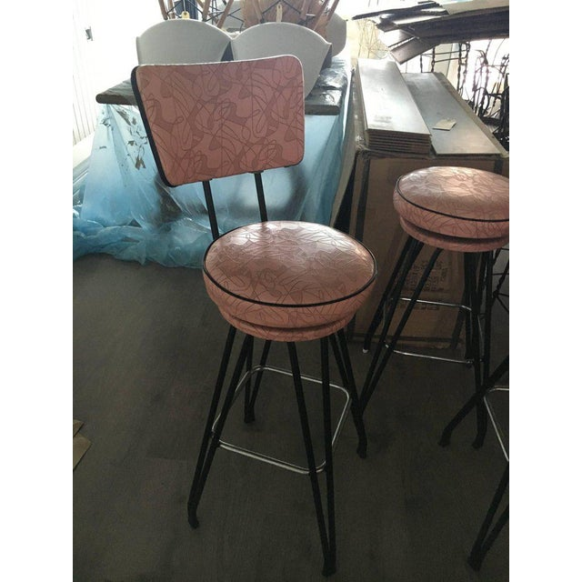 Mid-Century Modern Set of Three Kitch Mid-century Bar Stools With Pink Upholstery, Black Piping For Sale - Image 3 of 7
