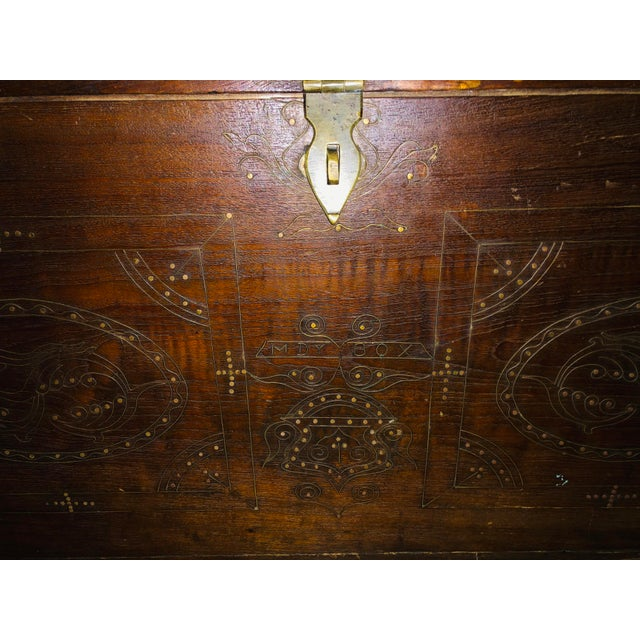 1900s Asian Antique Actor's Trunk For Sale In New York - Image 6 of 8