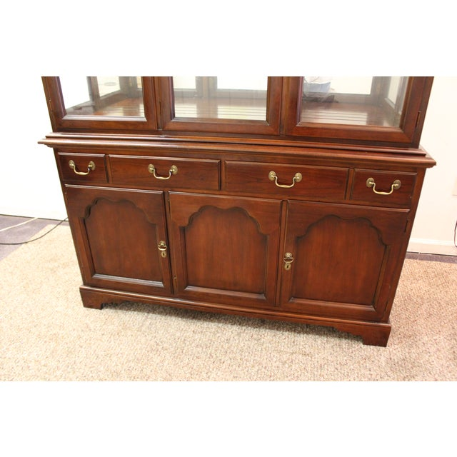 Drexel Heritage Carleton Cherry China Cabinet For Sale In Philadelphia - Image 6 of 11