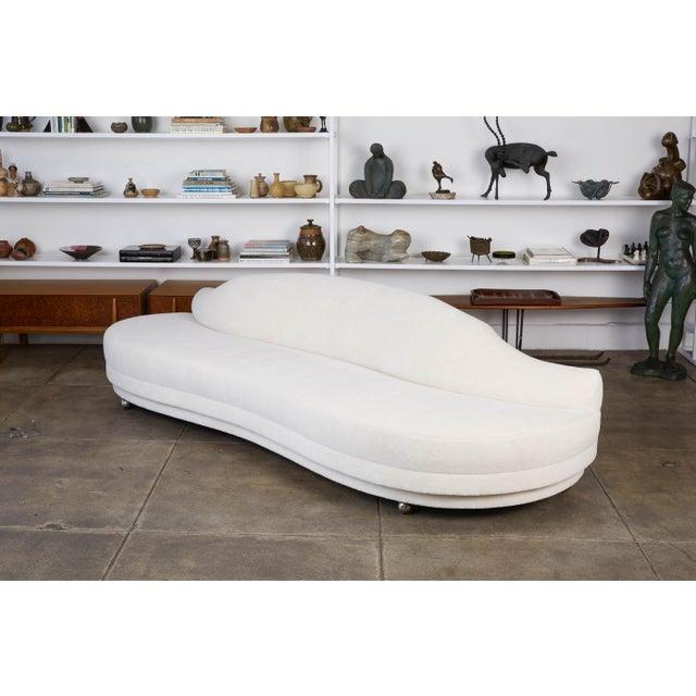 Vladimir Kagan California Modern Serpentine Alpaca Sofa For Sale - Image 4 of 9