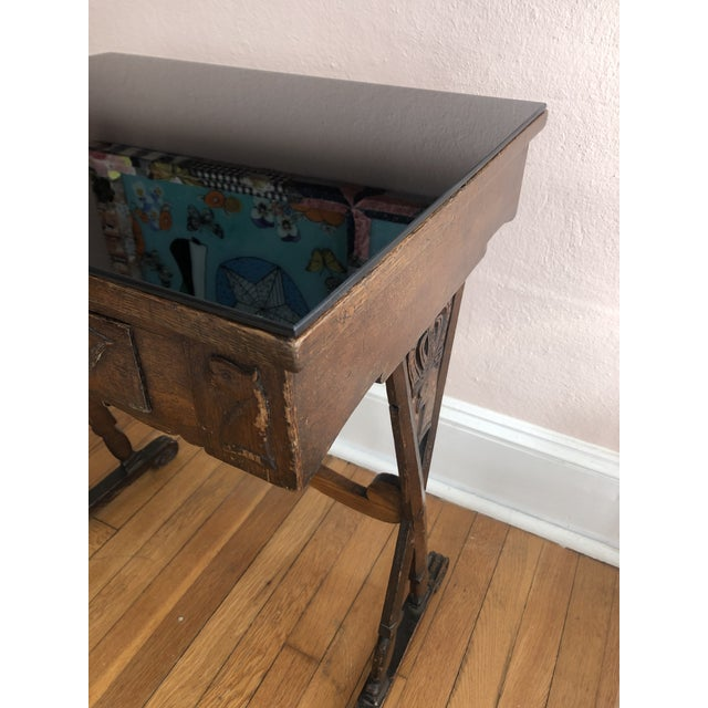 Antique English Carved Oak End Table With Crown and Black Glass Top For Sale In Philadelphia - Image 6 of 11