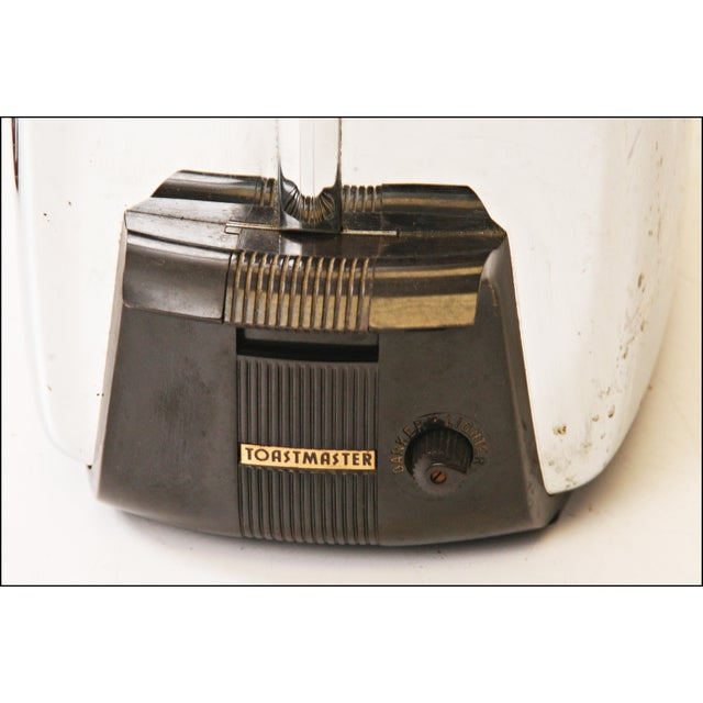 Vintage Chrome Toastmaster Toaster with Bakelite Handles - Image 6 of 10