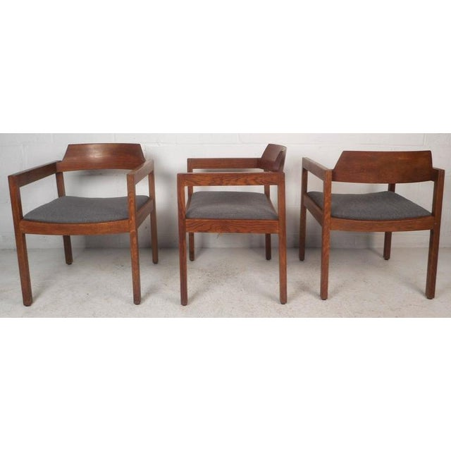 Mid-Century Modern Set of Five Mid-Century Modern Walnut Dining Chairs by Gunlocke Chair Company For Sale - Image 3 of 11