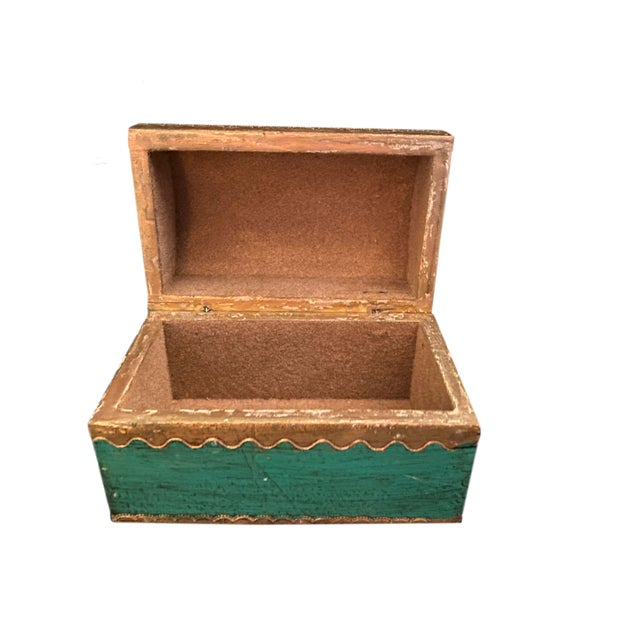 Early 20th Century Early 20th Century Italian Florentine Domed Top Box For Sale - Image 5 of 9