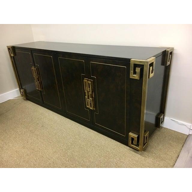 1970s Bernhard Rohne Mastercraft Burled Carpathian Elm and Brass Buffet Server Bar For Sale - Image 5 of 10
