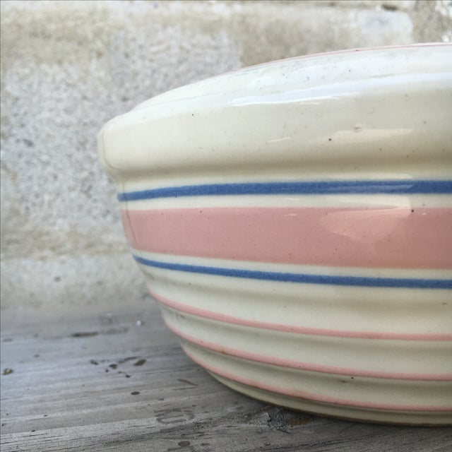 Mid-Century Modern 1940's Handmade Americana Mixing Bowl With Lid For Sale - Image 3 of 8