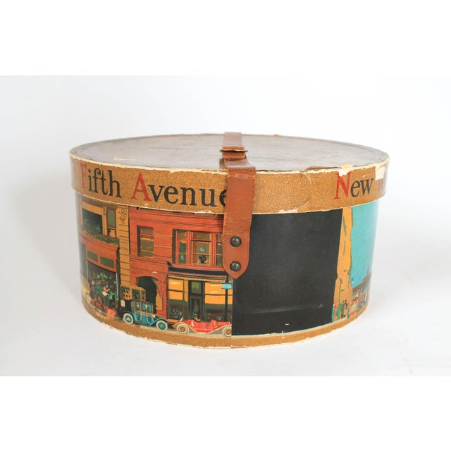Dobbs Fifth Avenue New York Hat Box For Sale - Image 4 of 8