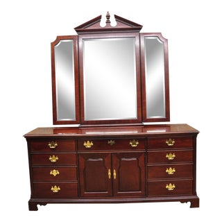 Thomasville Mahogany Collection Chippendale Style Long Dresser with Mirror For Sale