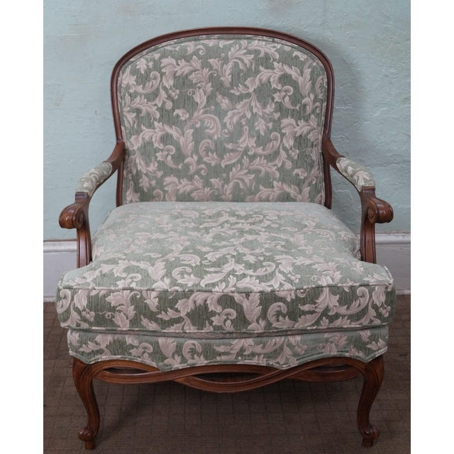Country Ethan Allen Louis XV Chaise Lounge & Ottoman For Sale - Image 3 of 7