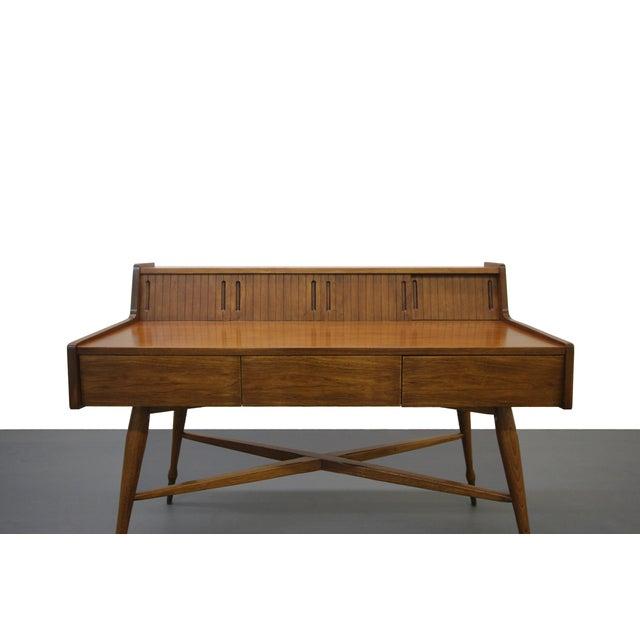 Mainline by Hooker Vintage Hooker Mainline Mid-Century Modern Desk For Sale - Image 4 of 7