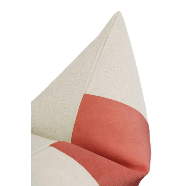 """22"""" Coral Velvet Panel & Linen Pillows - a Pair For Sale - Image 4 of 6"""