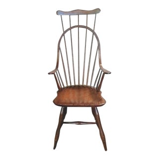 1920s Vintage Comb-Back Continuous Arm Windsor Chair For Sale