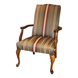 Fairfield Queen Anne Style Accent Arm Chair For Sale