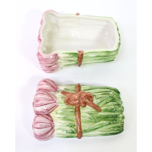 Majolica Italian Majolica Shallot/Spring Onion Bundle-Shaped Box For Sale - Image 4 of 6