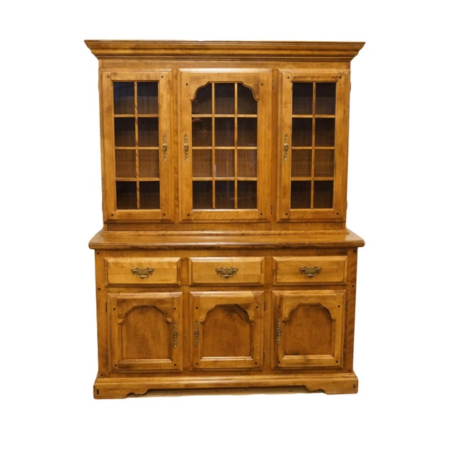 20th Century Early American Temple Stuart Rockingham Solid Maple Buffet With Display Hutch For Sale - Image 13 of 13