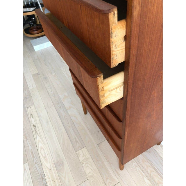 1950s Scandinavian Teak Tallboy Chest of Drawers With Key For Sale - Image 10 of 12