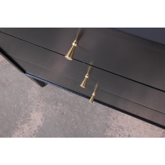 Paul McCobb Planner Group Mid-Century Modern Black Lacquered Six-Drawer Dresser, Newly Restored For Sale In South Bend - Image 6 of 13