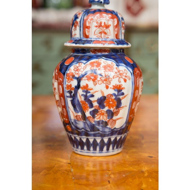 19th Century Diminutive Imari Lidded Urns - a Pair For Sale In West Palm - Image 6 of 8