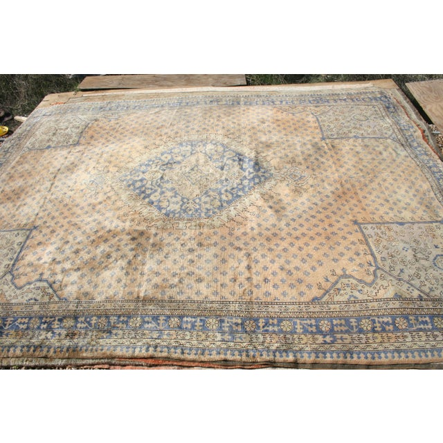 Apricot Early 20th Century Antique Oushak Waterloo Design Rug - 11′9″ × 15′5″ For Sale - Image 8 of 13