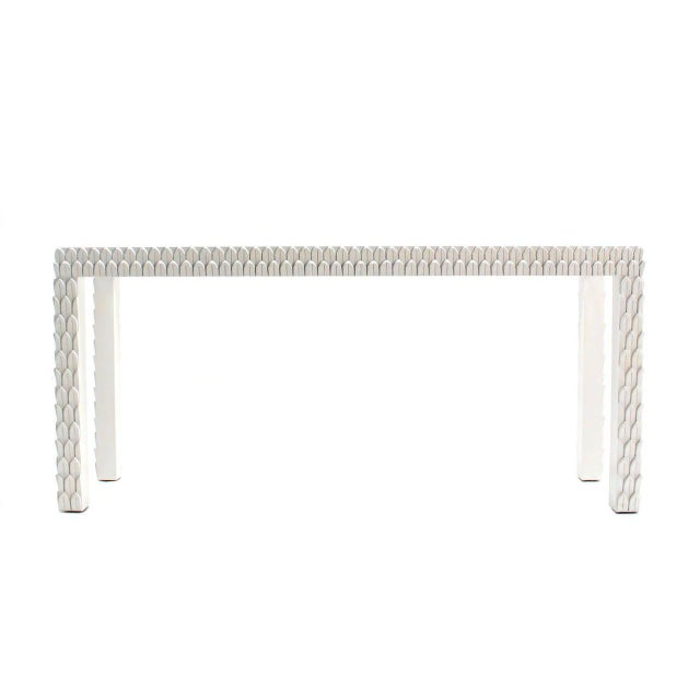 Hollywood Regency Vintage Mid Century Pineapple Pattern Carved White Lacquer Console Table For Sale - Image 3 of 10