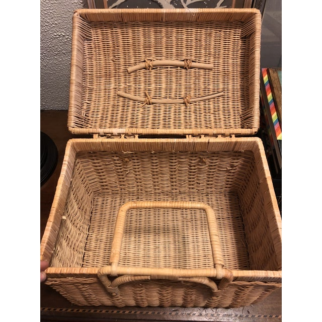 20th Century Boho Chic Natural Woven Wicker Picnic Basket For Sale - Image 10 of 11