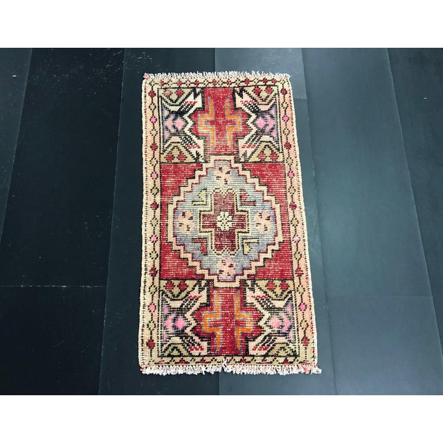 Faded Oushak Distressed Turkish Vintage Small Rug 1′7″ × 2′11″ For Sale In Phoenix - Image 6 of 6