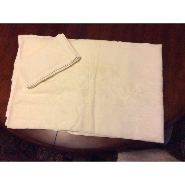 Late 19th Century Antique Appliquéd Linen Tablecloth & Napkins - Set of 13 For Sale - Image 5 of 13