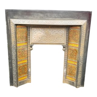 Late 19th Century Victorian English Iron and Ceramic Tile Fireplace Insert For Sale