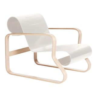 "Armchair 41 ""Paimio"" in Birch and White by Alvar Aalto & Artek For Sale"