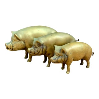 Vintage Brass Pigs — Set of 3 For Sale