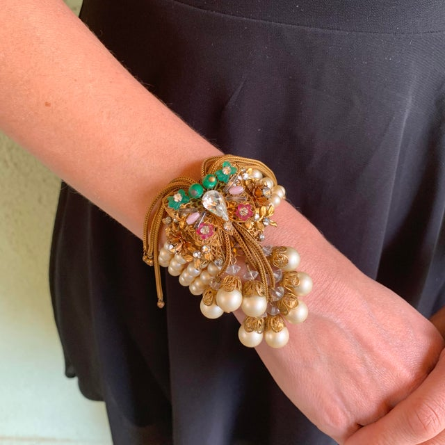 1950s Miriam Haskell Faux Pearl, Crystal, & Art Glass Cuff Bracelet For Sale - Image 12 of 13