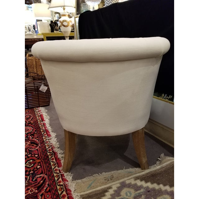 Ivory Linen Tufted Slipper Chair For Sale - Image 4 of 7