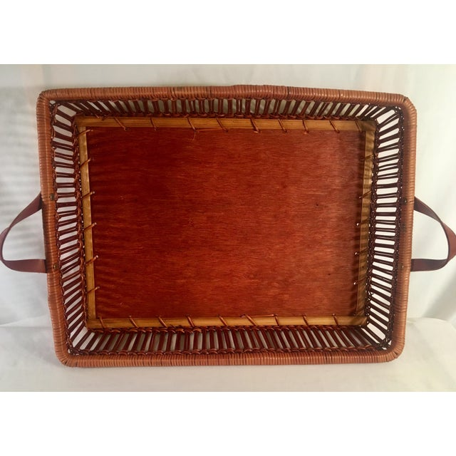 Americana Mid-Century Rattan & Wood Leather-Handled Serving Tray For Sale - Image 3 of 13
