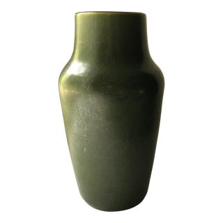 20th Century Hampshire Pottery Matte Green Vase For Sale