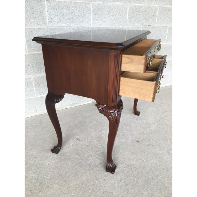 Councill craftsmen solid mahogany french chippendale style 5 drawer lowboy. In very good vintage furniture condition....