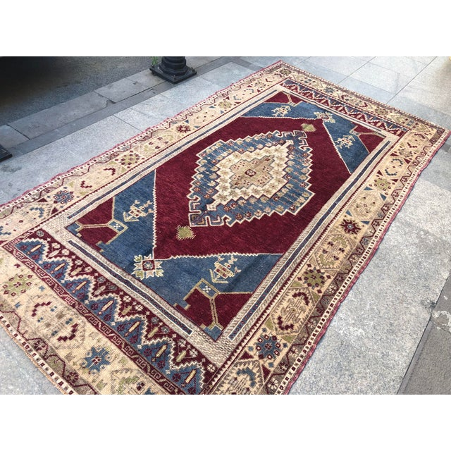 1960s 1960s Vintage Oversize Turkish Rug- 4′7″ × 8′8″ For Sale - Image 5 of 11