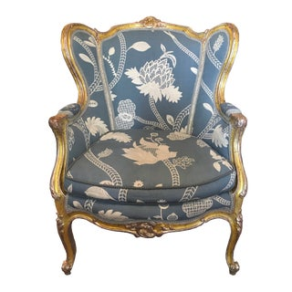 Late 19th Century Antique Louis XV Style Blue and White Linen Embroidery Carved Bergere For Sale
