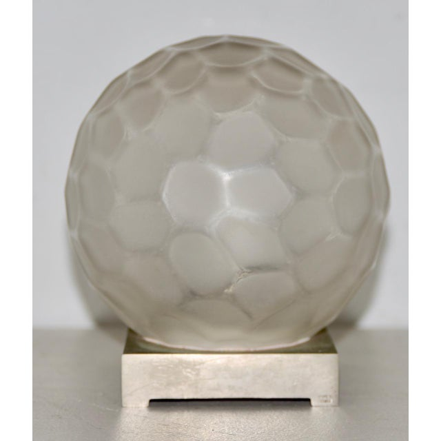 Genet & Michon (France) Art Deco Glass Globe Table Lamp C.1920s For Sale In San Francisco - Image 6 of 6