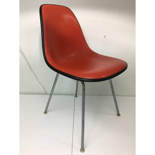 Herman Miller Vintage Molded Side Chair in Burnt Orange Naugahyde by Charles Eames for Herman Miller For Sale - Image 4 of 13
