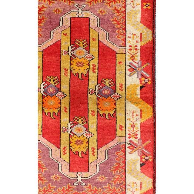 Keivan Woven Arts, L11-0802, 1920s Antique Turkish Oushak Rug - 3′ × 4′10″ For Sale - Image 4 of 7