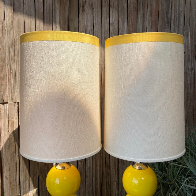 1960s Mid-Century Modern Sonneman Kovaks Yellow Stacked Ball Ceramic Lamps with Original Shades - a Pair For Sale - Image 11 of 13