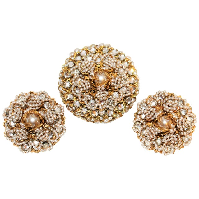 Metal 1968 William deLillo Faux-Pearl Brooch and Earrings For Sale - Image 7 of 7