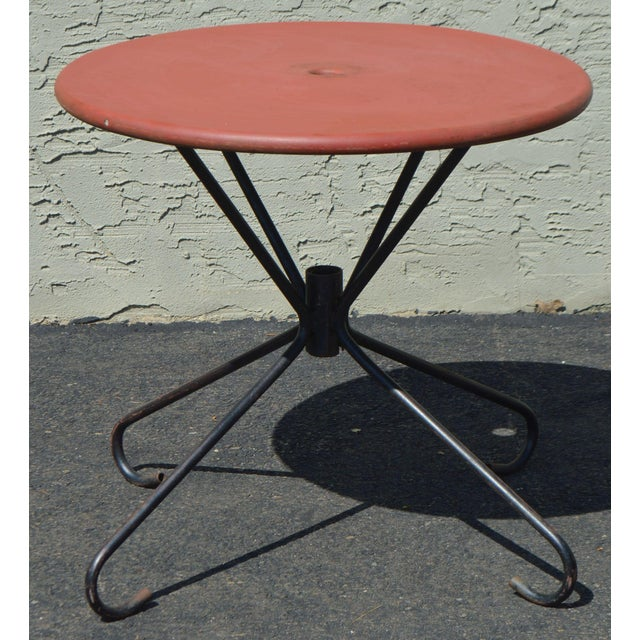 Art Deco Style Vintage Clamshell Set 4 Metal Lawn Chairs and Table Patio Set For Sale In Philadelphia - Image 6 of 13