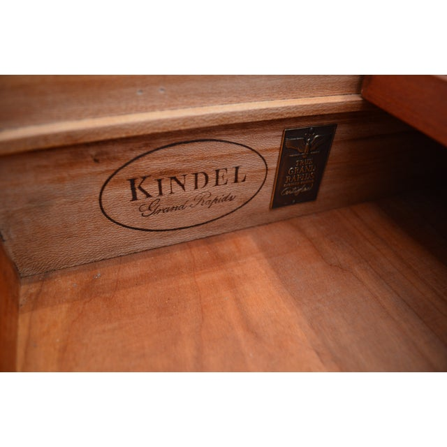 1950s Traditional Kindel Grand Rapids 9 Drawer Dresser With Attached Mirror For Sale - Image 11 of 13